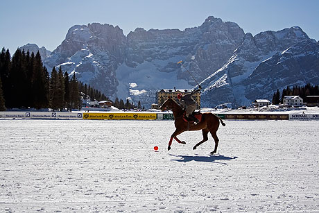 Winter polo cup a Cortina d'Ampezzo foto